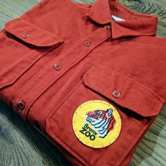 e0213121ab0a3 Woolrich Cotton Vintage Shirt X Bronx Zoo Patch. Woolrich.  M_5c37f46d95199622bce2d041. M_5c37f46dbaebf6f1b0958547.  M_5c37f46d04e33d1f9042c357